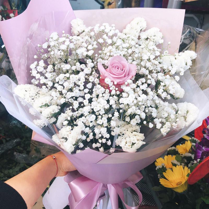 Bó hoa baby trắng quyến rũ là lựa chọn hoàn hảo để tặng bạn gái