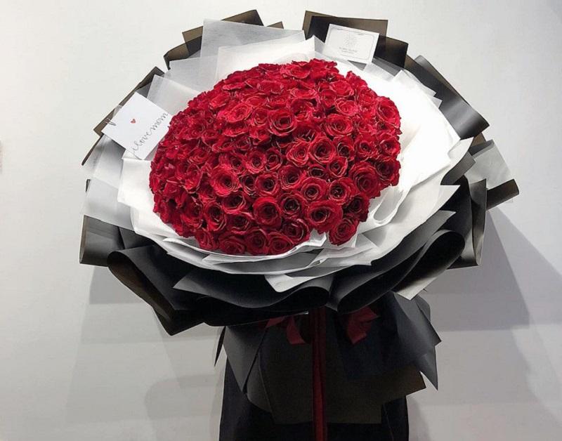 Bó hoa tươi đẹp từ hoa hồng là lựa chọn hoàn hảo cho ngày lễ tình nhân