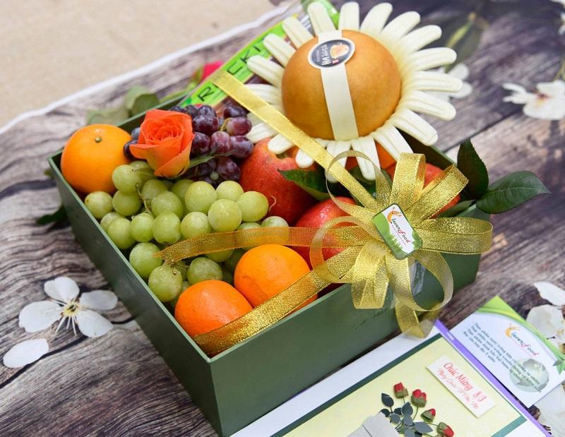 Chọn loại giỏ hoa quả đẹp phù hợp với đối tượng được tặng