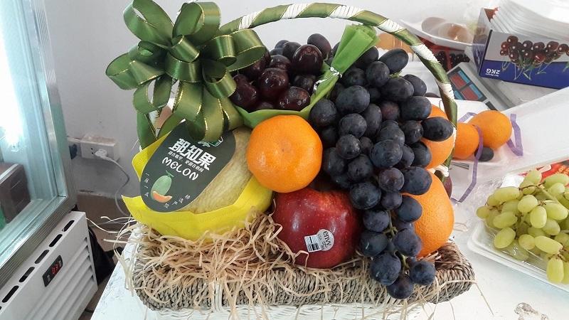 Giỏ trái cây là lựa chọn tuyệt vời để tặng vào dịp Tết