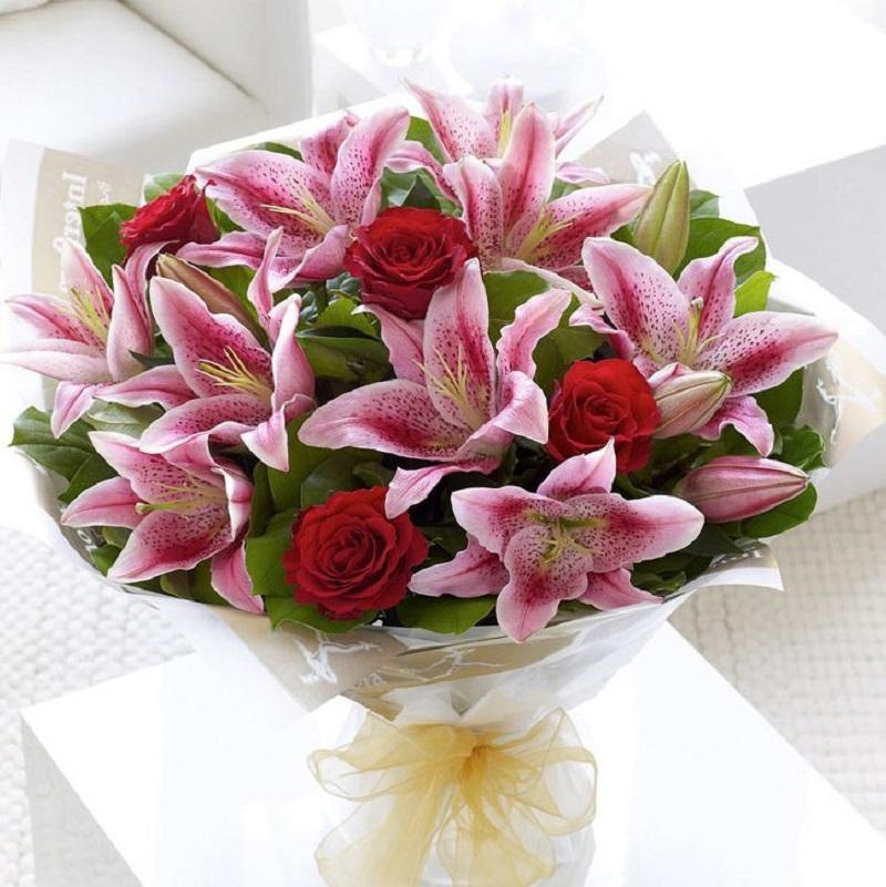 Hoa ly sinh nhật tượng trưng cho sự thanh cao, quý phái