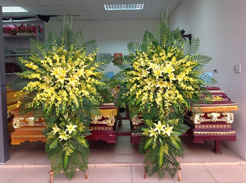 Màu vàng của hoa lan thể hiện sự thương cảm và tiếc nuối trước sự ra của người mất