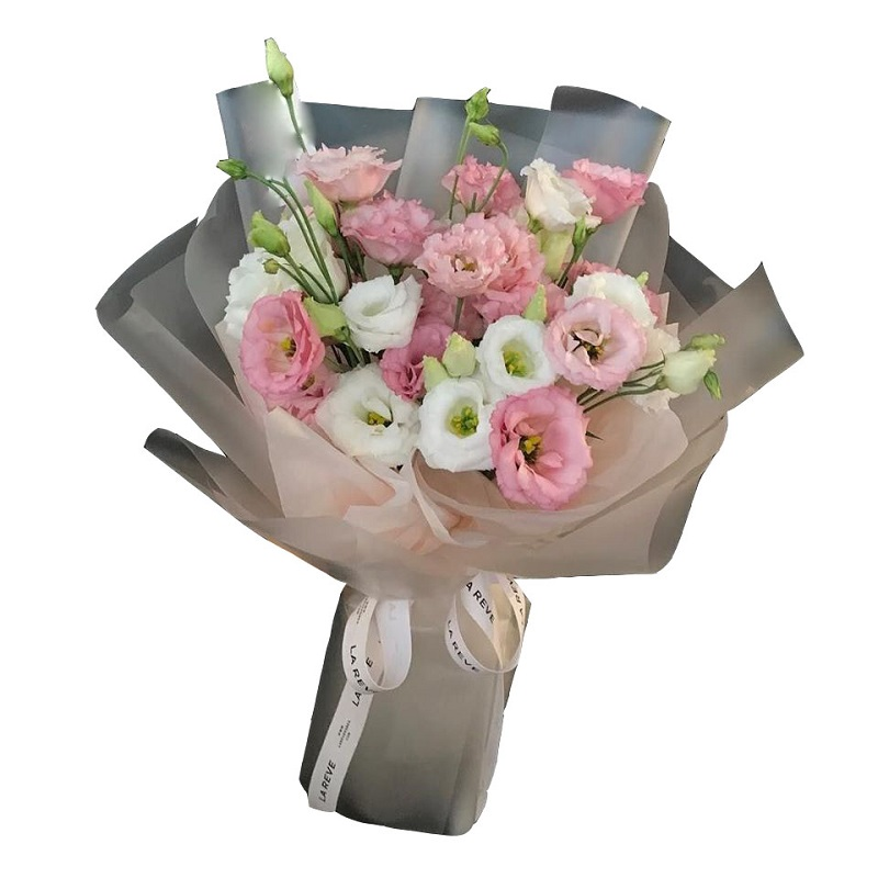 Tặng bó hoa tươi đẹp trong ngày lễ của Mẹ là cách bày tỏ lòng biết ơn với đấng sinh thành.