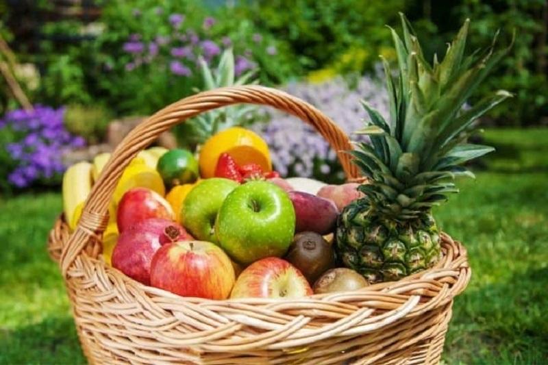 Chọn giỏ trái cây tùy vào tình hình tài chính