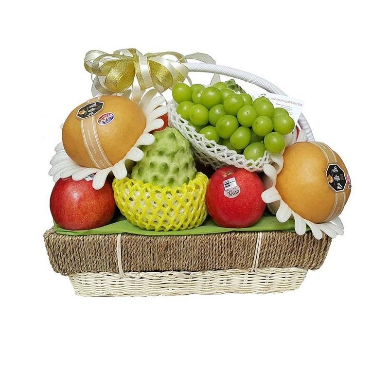 Món quà giúp khách đến ăn giỗ thể hiện phép lịch sự, tôn trọng gia chủ