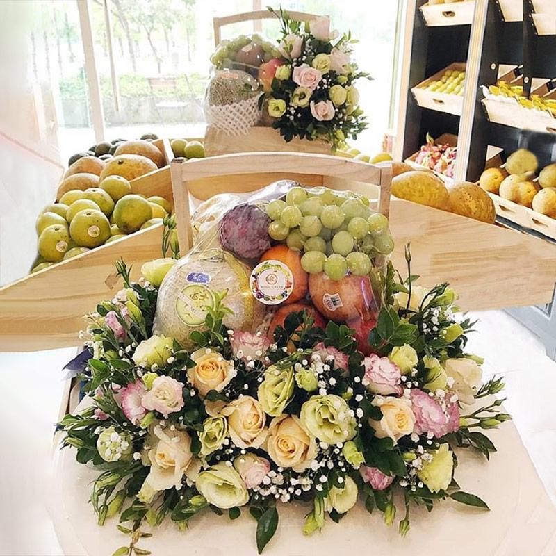 Mua giỏ trái cây làm quà sinh nhật nên chọn quả tươi ngon, chất lượng