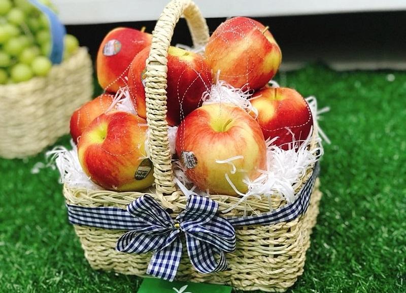Tham khảo giá các loại giỏ trái cây tặng làm quà sinh nhật